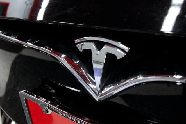 Tesla Model S 2018 price $57,999