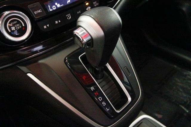 Honda CR-V 2015 price $16,499