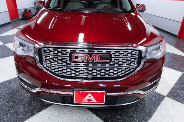 GMC Acadia 2017 price $29,995