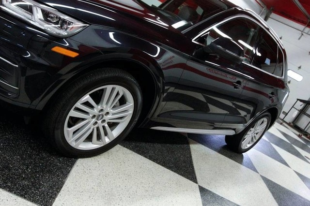 Audi Q5 2018 price $33,995