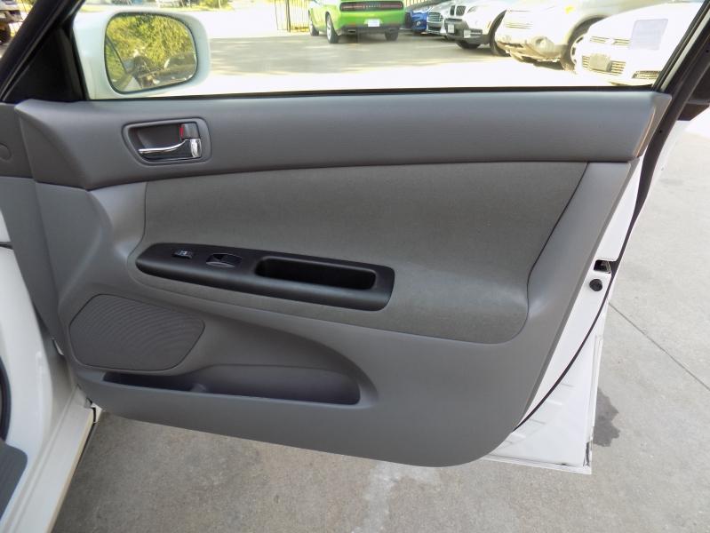 Toyota Camry 2005 price $3,695