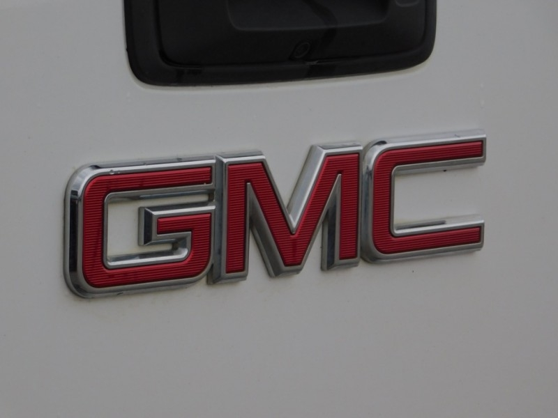 GMC Canyon 2015 price $13,900