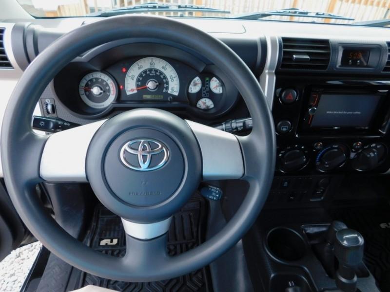 Toyota FJ Cruiser 2007 price $13,900