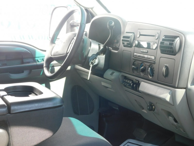 Ford Super Duty F-250 2005 price $13,399