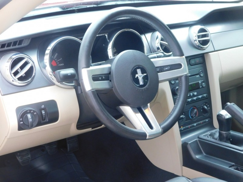 Ford Mustang 2007 price $10,500