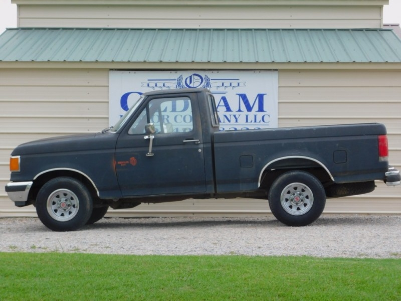 Ford 1/2 Ton Trucks 1988 price $4,000