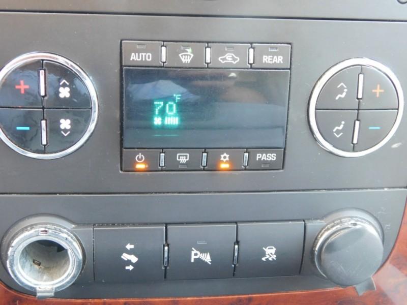 Chevrolet Suburban 2009 price $10,900