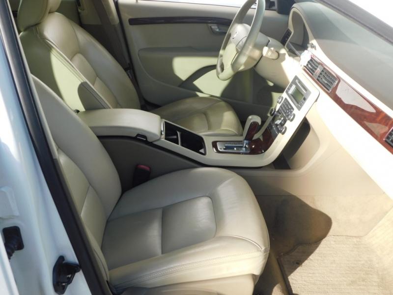 Volvo XC70 2008 price $7,289