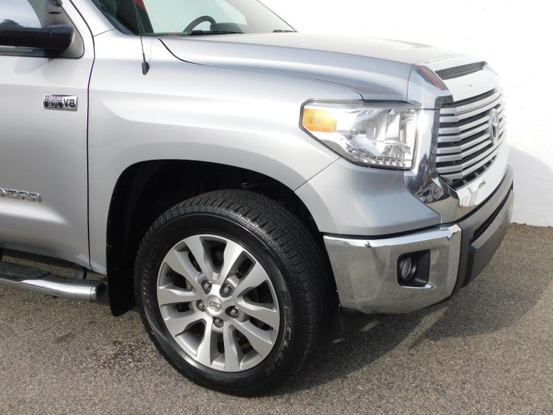 Toyota Tundra 2015 price $30,299