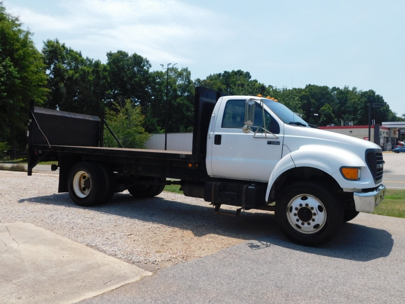 Ford Super Duty F-650 2000 price $15,999