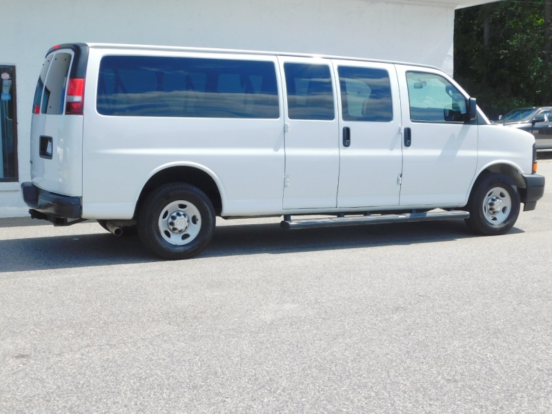 Chevrolet Express Passenger 2017 price $20,299