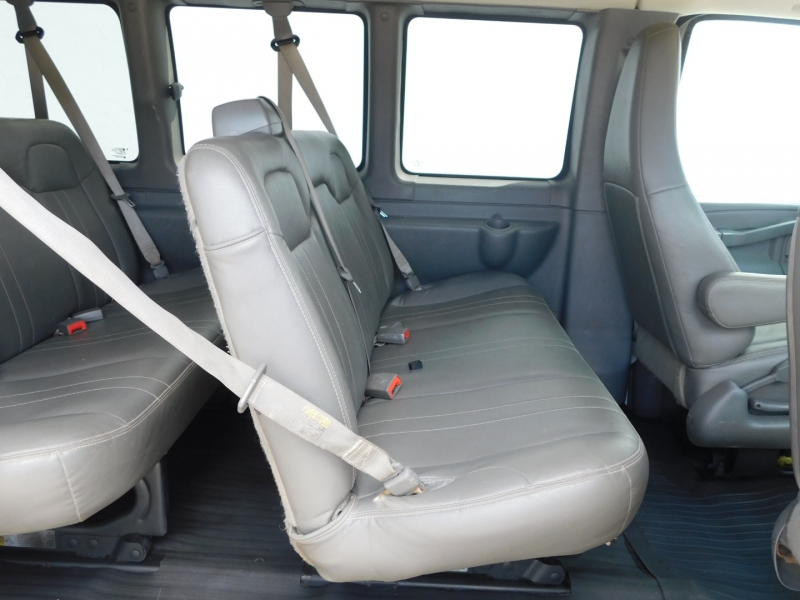 Chevrolet Express Passenger 2016 price $17,990