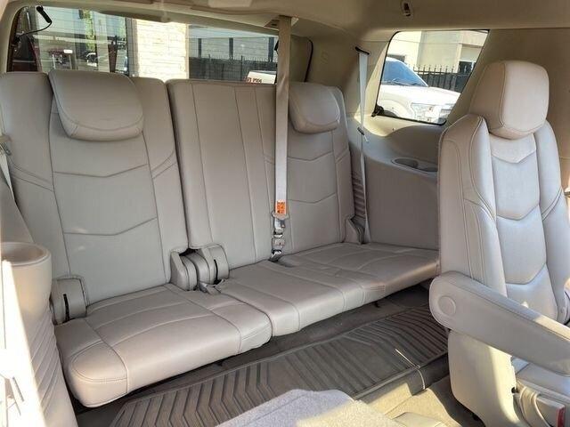 Cadillac Escalade 2016 price $39,850