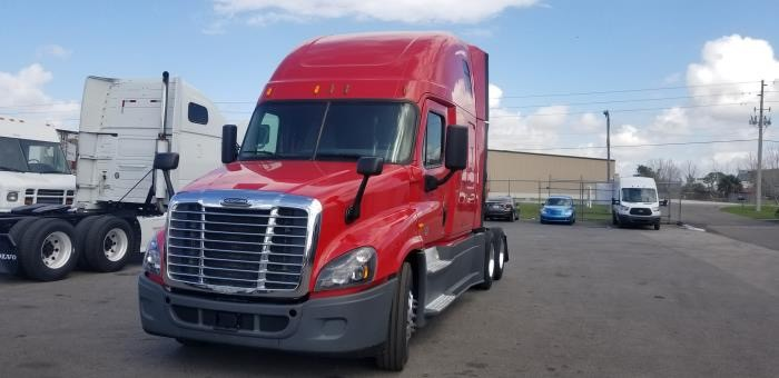Freightliner Cascadia 2015 price $59,977