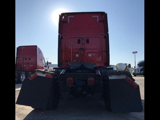 Freightliner  2015 price $39,950