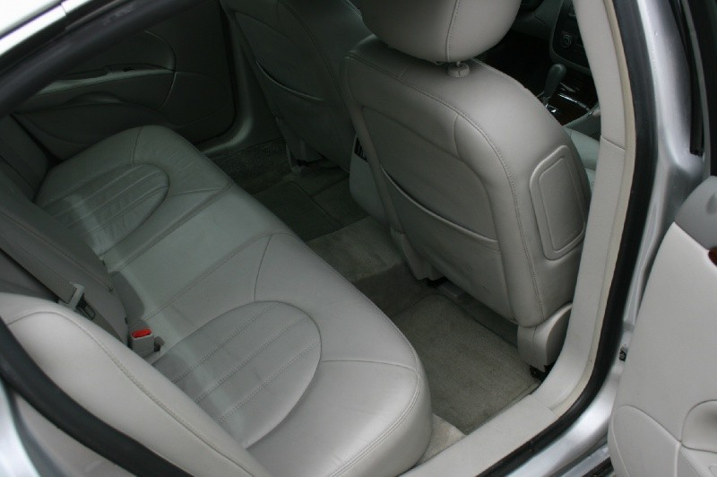 Buick Lucerne 2011 price $8,988