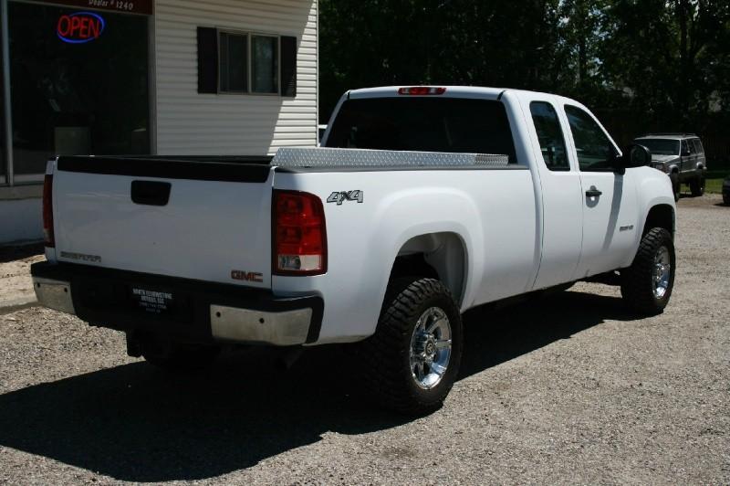 GMC Sierra 2500HD 2011 price $13,999