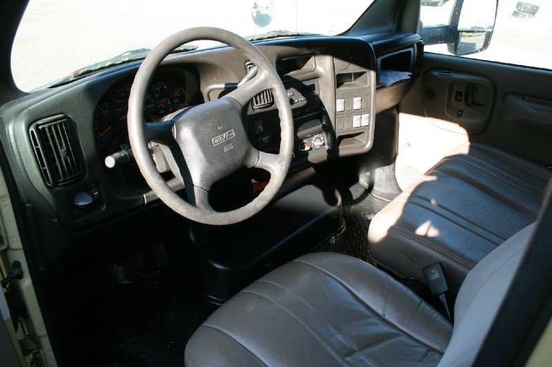 GMC TC5500 2005 price $4,999