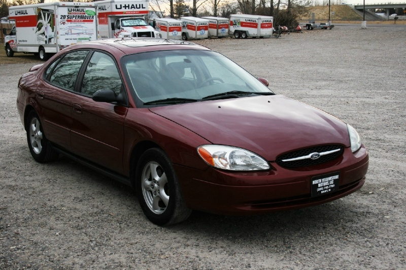 Ford Taurus 2002 price $3,299