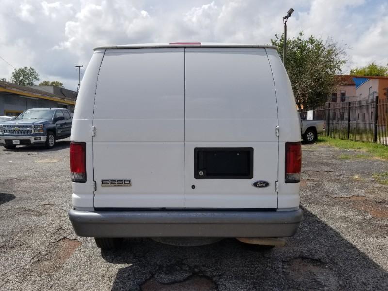 2007 Ford Econoline Cargo Van E 250 Commercial
