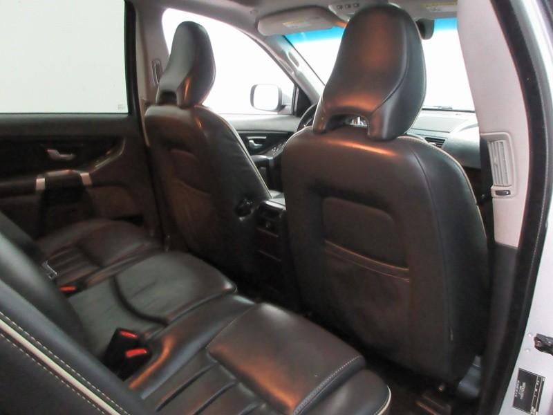 Volvo XC90 2013 price $9,997
