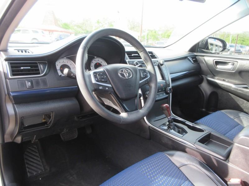 Toyota Camry 2016 price $15,497