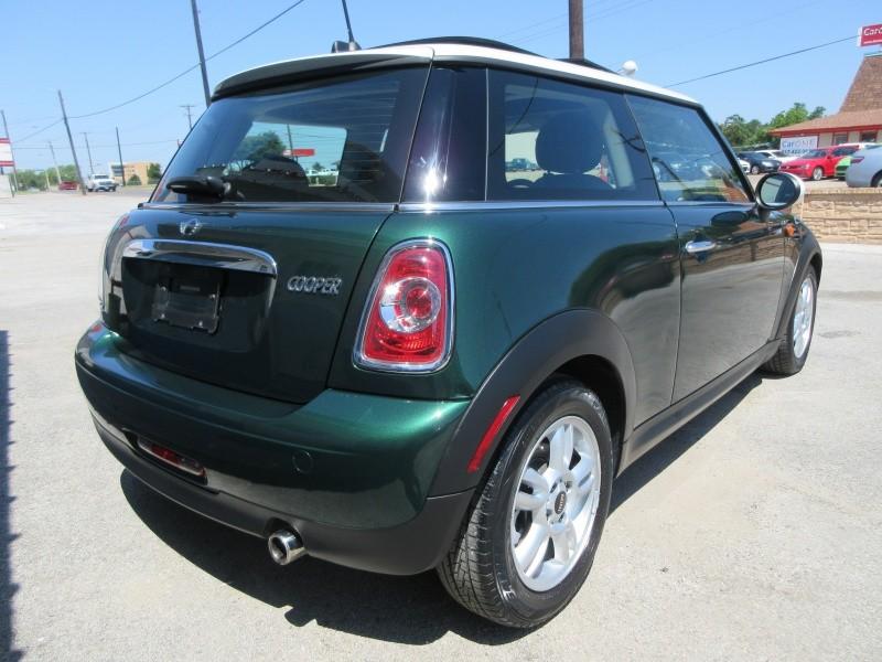 Mini Cooper Hardtop 2012 price $8,497