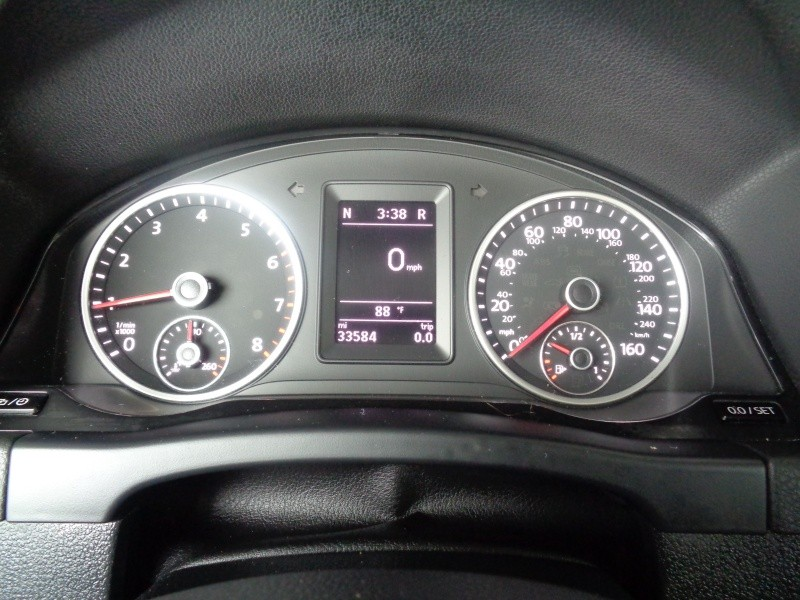 Volkswagen Tiguan 2015 price $13,997