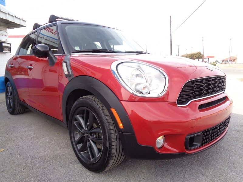 Mini Cooper Countryman 2013 price $8,997