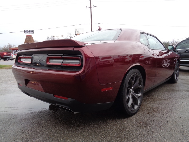 Dodge Challenger 2018 price $22,997