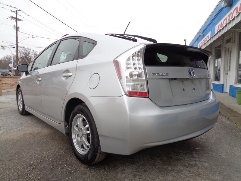 Toyota Prius 2010 price $6,797