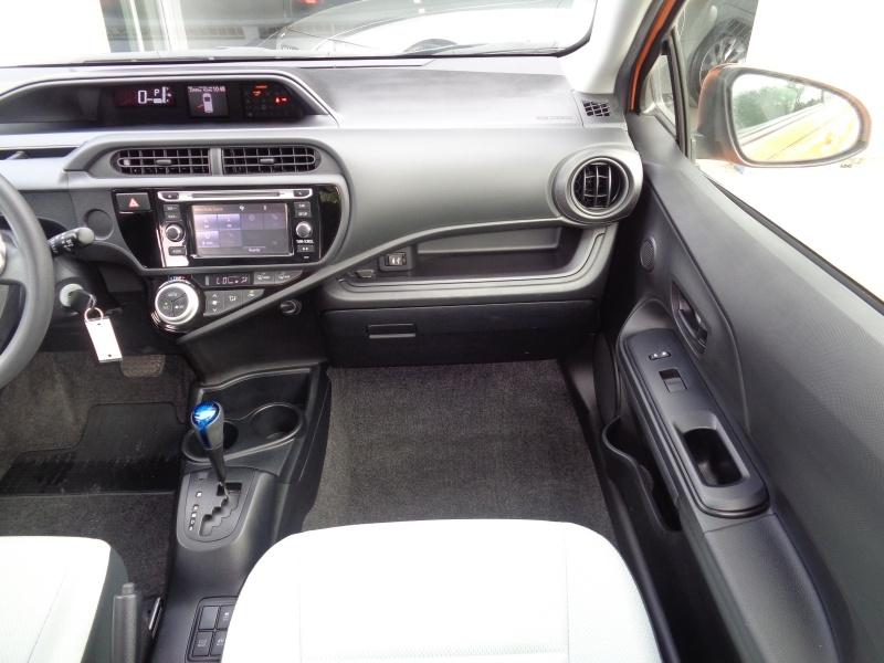 Toyota Prius c 2016 price $12,497