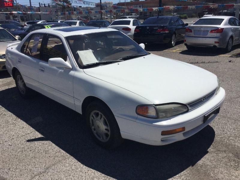 Toyota Camry 1995 price $2,300