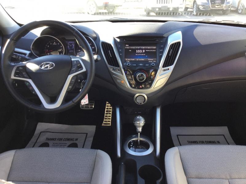 Hyundai Veloster 2013 price $8,994