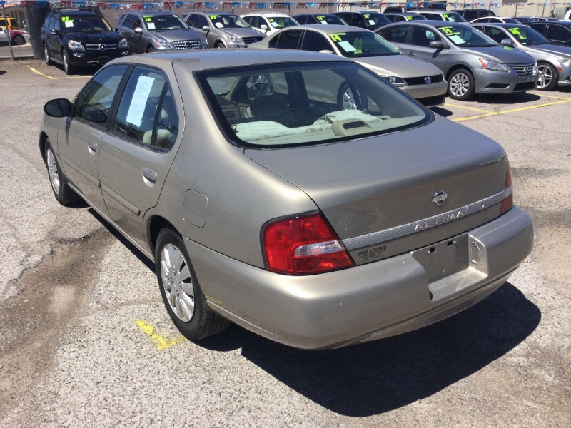 Nissan Altima 2001 price $2,395