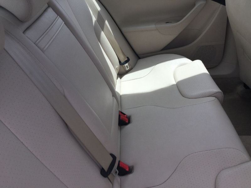 Volkswagen Passat Sedan 2010 price $6,495