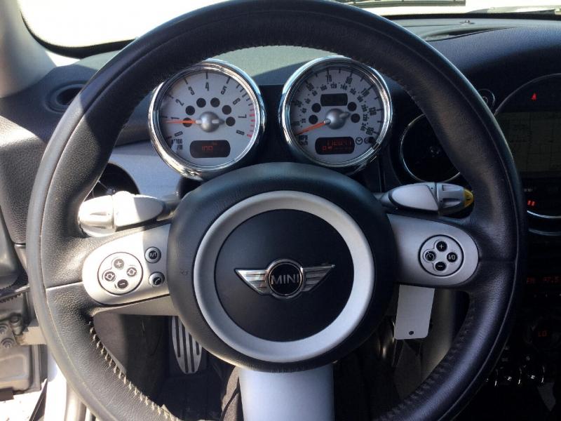 MINI Cooper Hardtop 2006 price $6,495