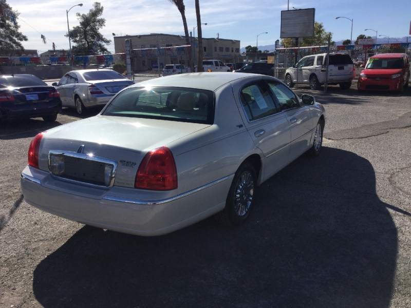 Lincoln Town Car 2007 price $6,495
