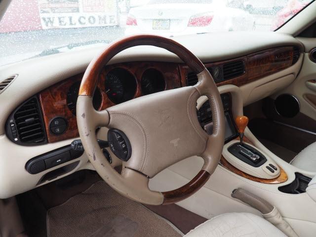 Jaguar XJ 2000 price $3,500