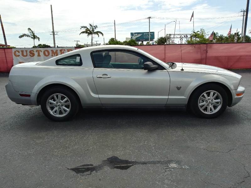 Ford Mustang 2009 price $5,995