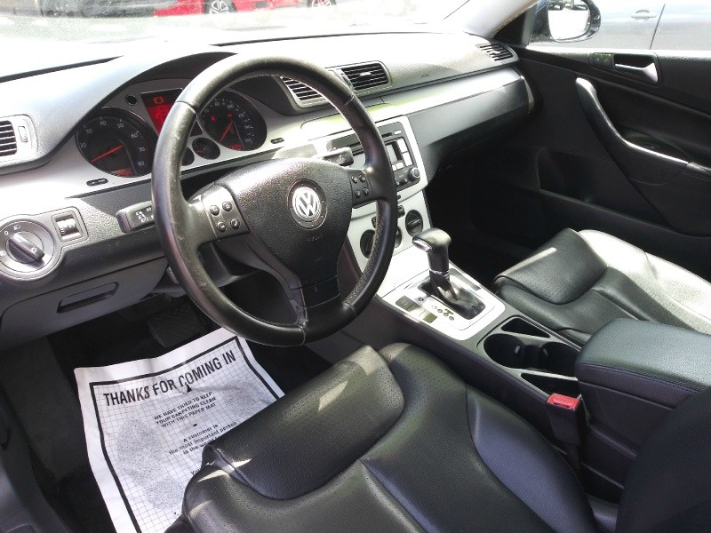 Volkswagen Passat Sedan 2009 price $3,995