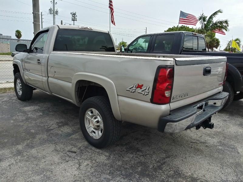 GMC Sierra 2500HD 2006 price $4,995