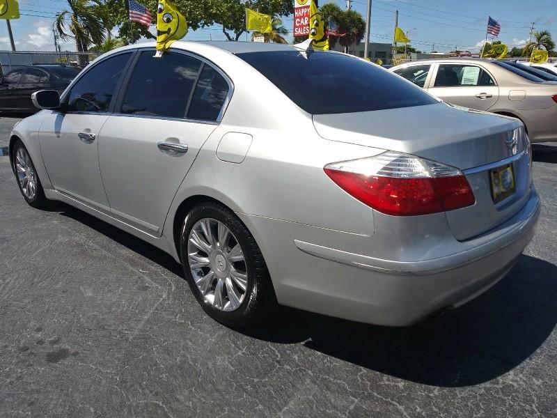 Hyundai Genesis 2011 price $7,995