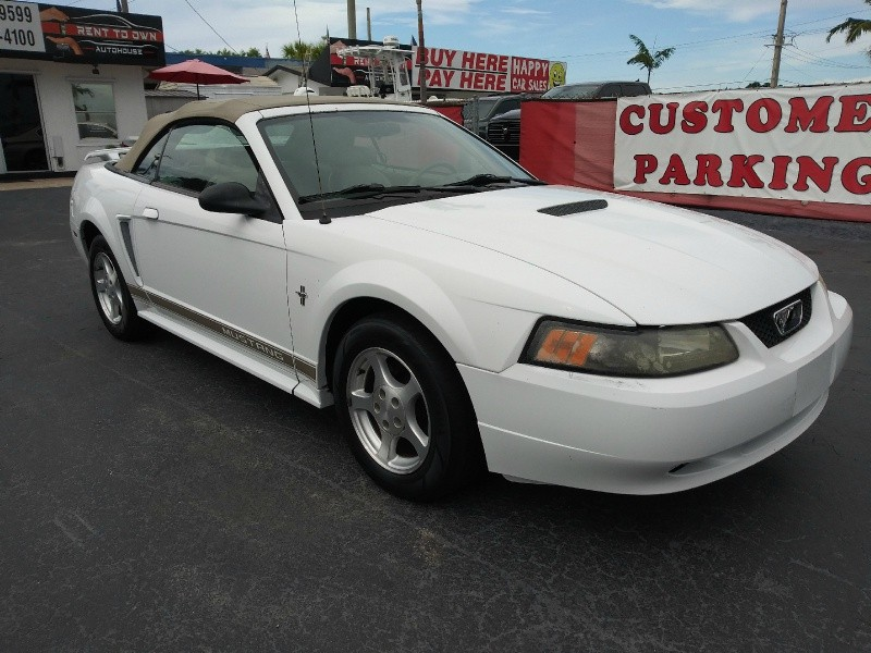 Ford Mustang 2002 price $2,995