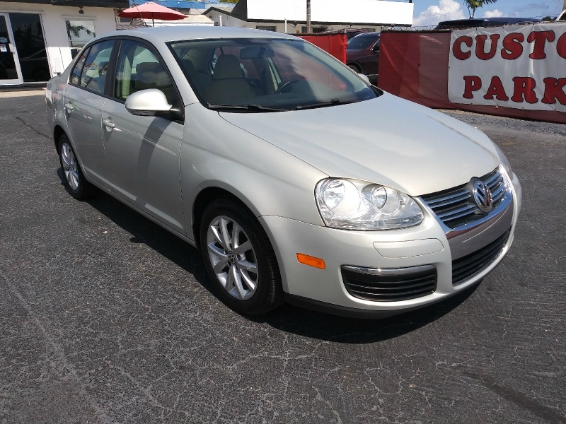 Volkswagen Jetta Sedan 2010 price $4,991