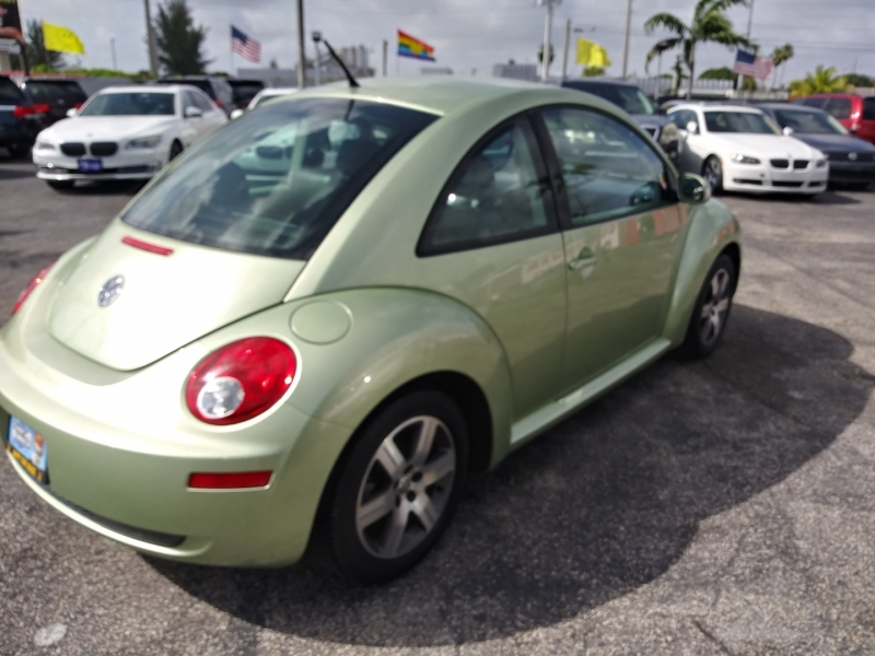 Volkswagen New Beetle Coupe 2006 price $4,995