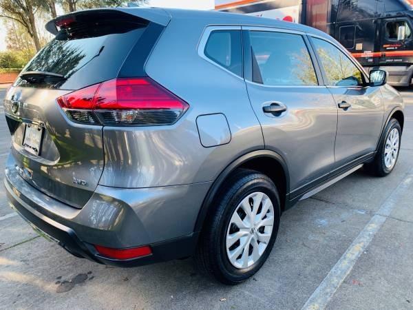 Nissan Rogue 2017 price $19,500