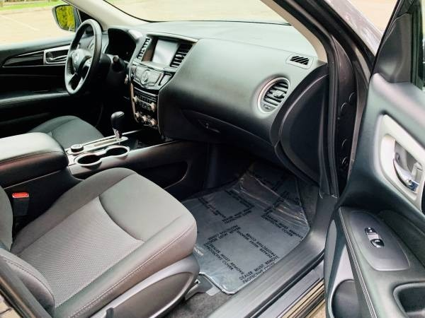 Nissan Pathfinder 2018 price $26,900