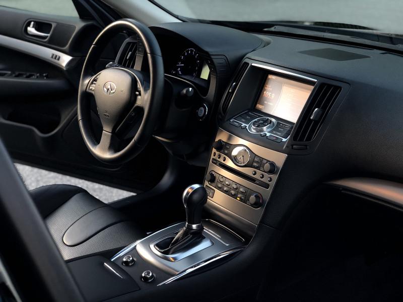Infiniti G37 Sedan 2012 price $12,990