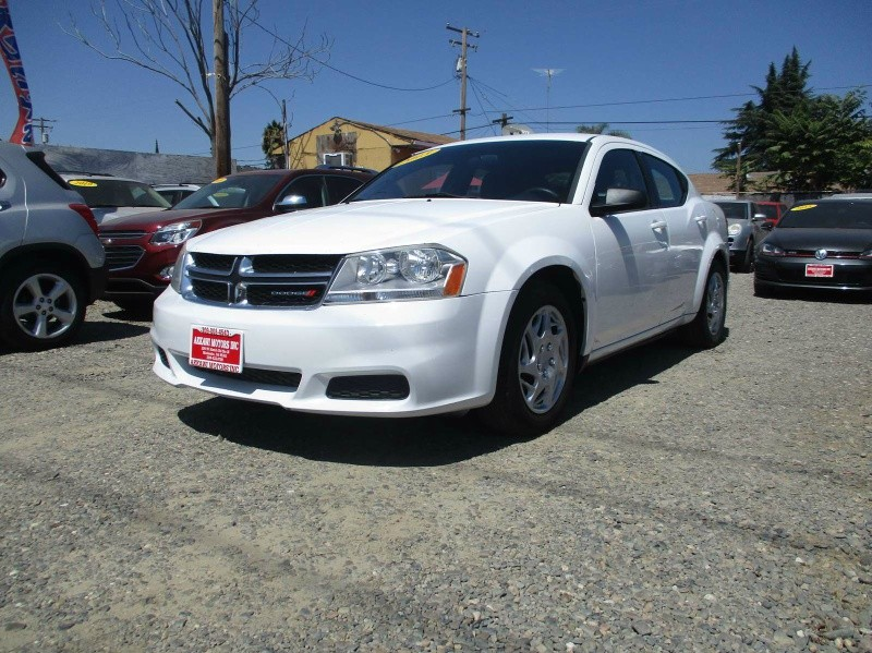 Dodge Avenger 2013 price $5,899